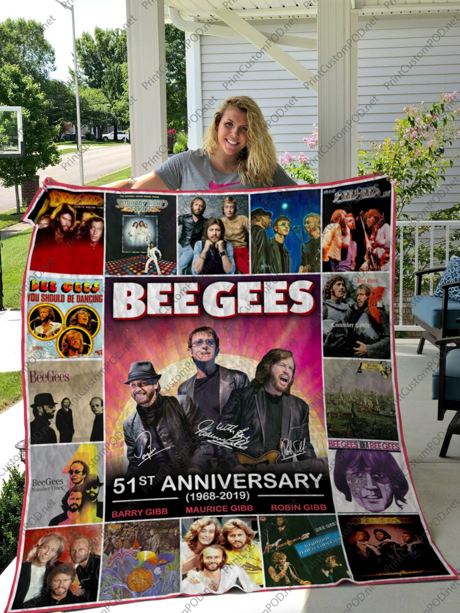 H Bee Gees Quilt Blanket