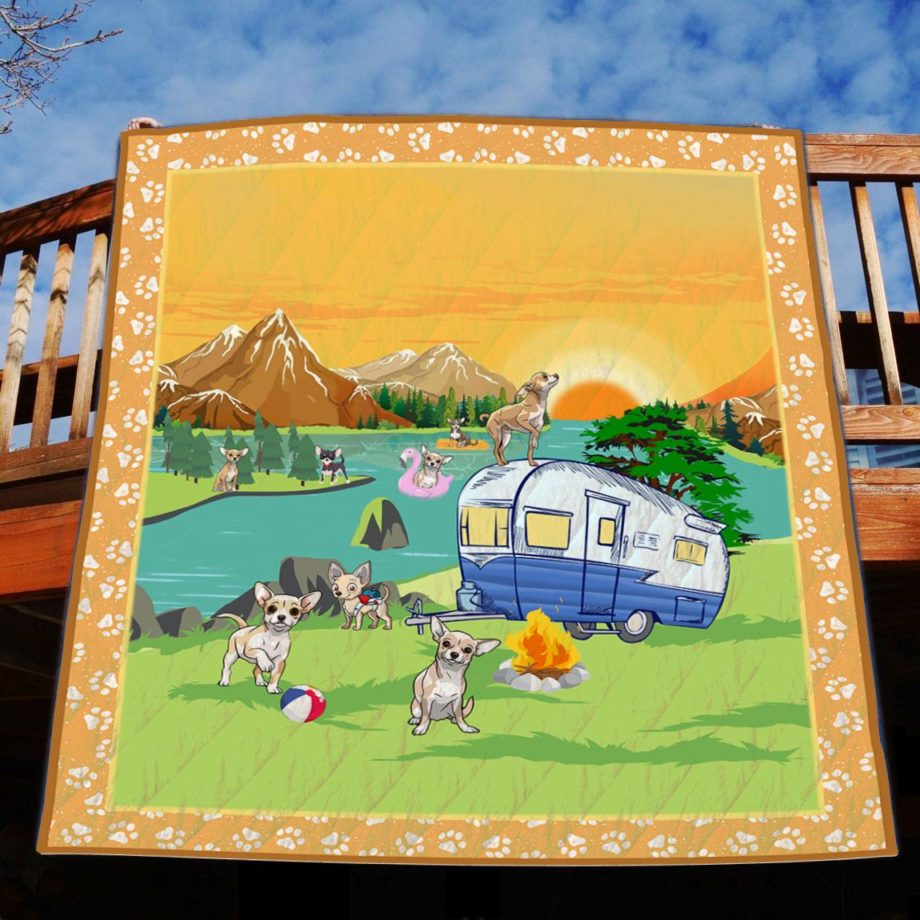 Camping  Chihuahua  Quilt – KWP0027