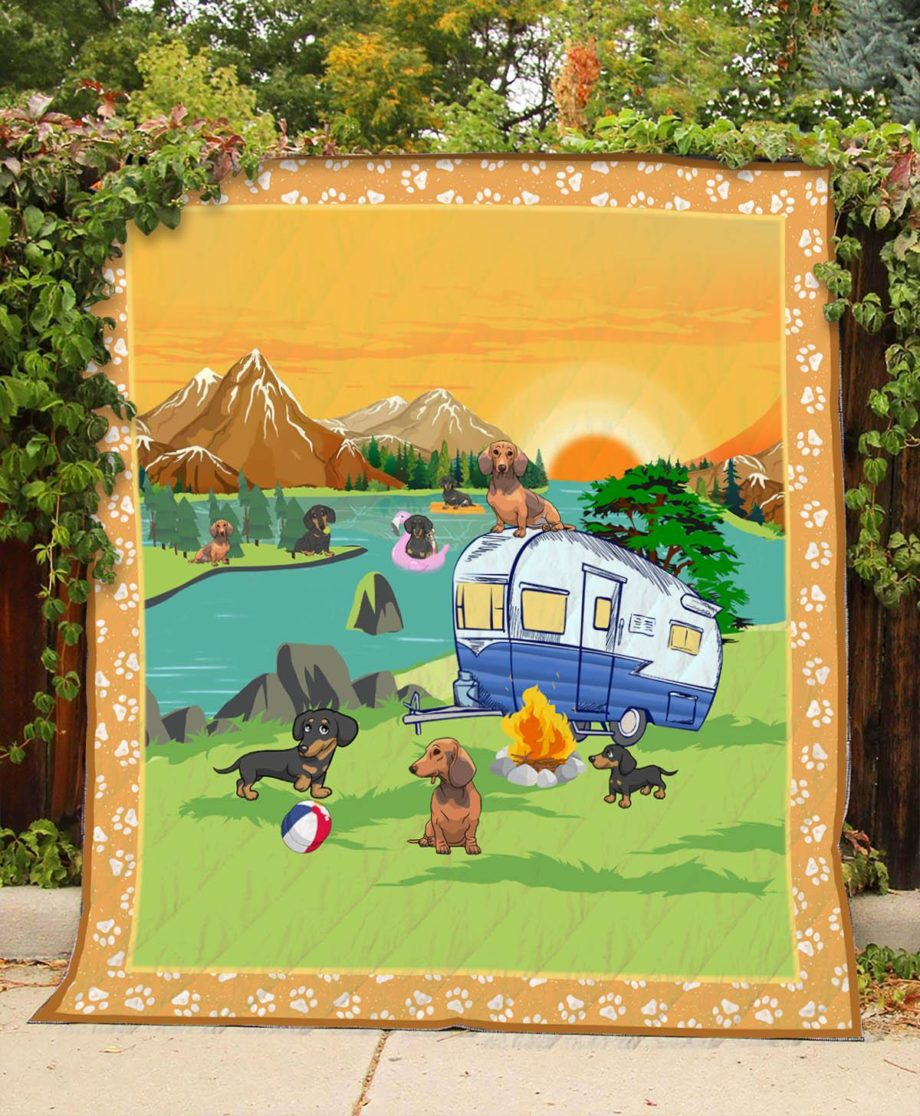 Camping  Dachshund  Quilt – KWP0028