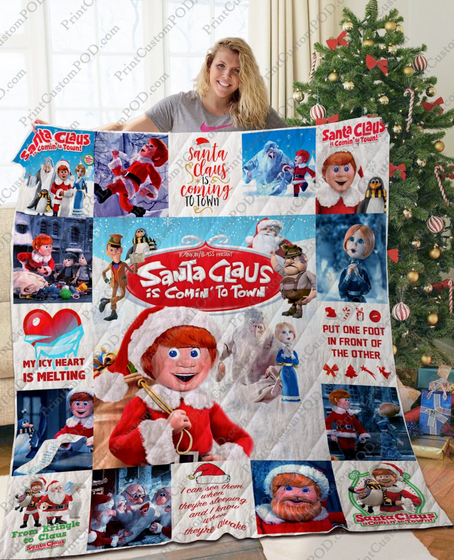 TA Santa Claus Is Comin#8217 to Town Quilt Blanket