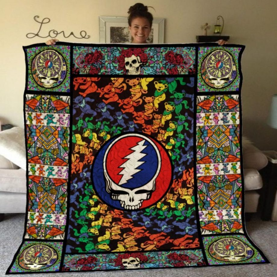 Last Chance To Get This Awesome Quilt Blanket