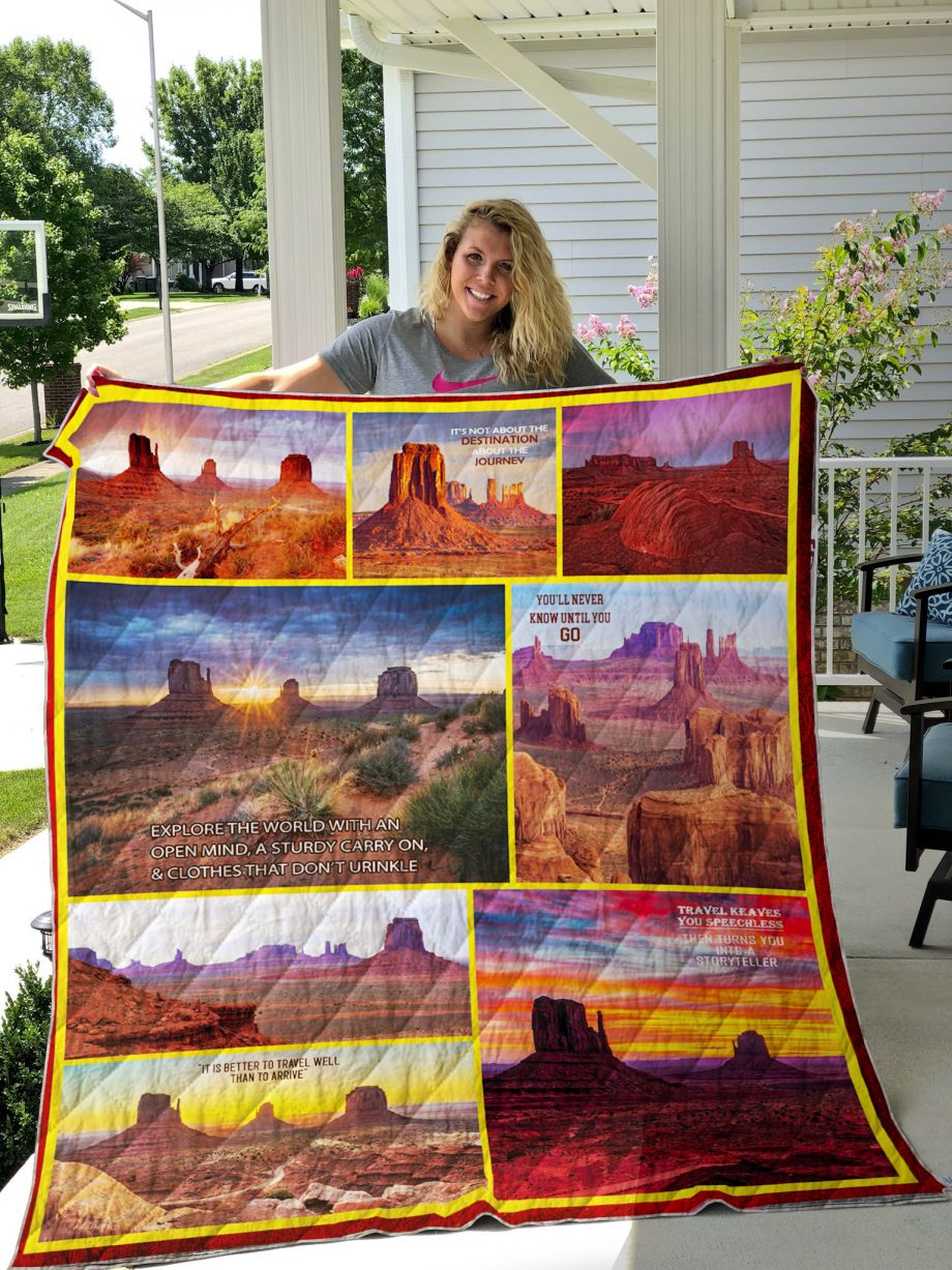 Travelling To Monument Valley Quilt Blanket