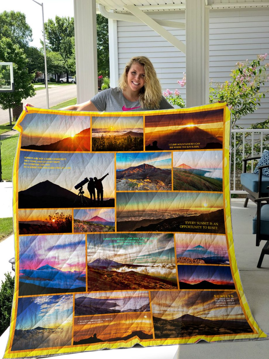 Teide Mountain At Sunset Quilt Blanket